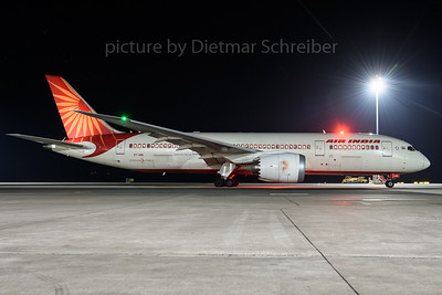 2017-01-22 VT-ANL Boeing 787-8 Air India