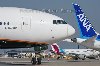 2019-05-01 B-16732 Boeing 777-300 Eva Air