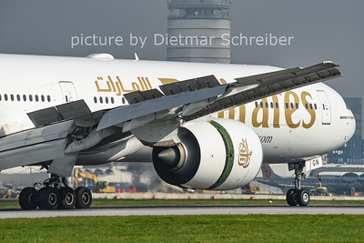 2014-10-28 A6-EGN Boeing 777-300 Emirates