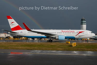 2010-11-12 OE-LAY Boeing 767-300 Austrian Airlines