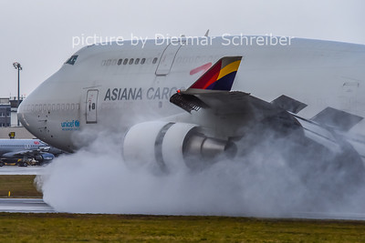 2014-12-25 HL7618 Boeing 747-400 Asiana