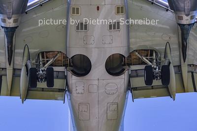 2011-08-11 OE-IHA Embraer 190 Flyniki