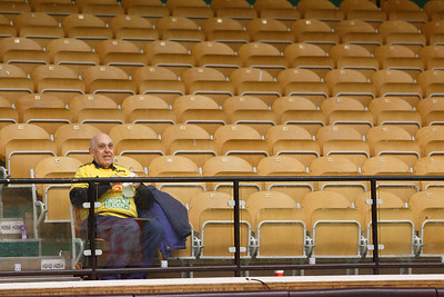 Partille 2015-01-25 Handboll Sävehof - Skånela :   publik fan fans supporter supportrar klack supporters audience crowd först på plats  ( Foto: Martin Wallén / Pic-Agency )   Nyckelord Keywords: Handboll, ELITSERIEN, IK Sävehof, Skånela IF
