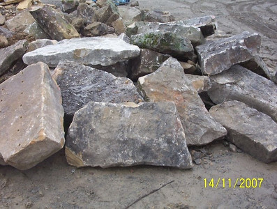 West Virginia HER fieldstone  *Easily accessible.  Can be added to a truck or picked up by TDH.