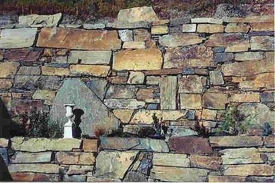 Montana chief cliff dry stack  *Special order.  This stone must be ordered by the truckload and may be combined with any MT stone.