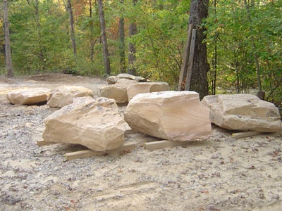 Tennessee CM large boulders  *PIA
