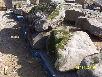 Tennessee SQM fieldstone boulders  *Special order, must be sold by the truckload.  Truckload can be combined with any NC/ SQM stone.