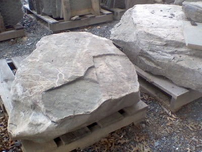Pennsylvania PM fieldstone boulders  *Easily accessible.  This item is not carried in stock but can be picked up by TDH or added to a truck.