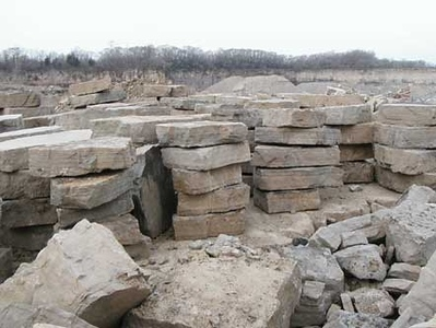 Ohio SC Canyon tan outcropping stone  *Special order.  This stone must be ordered by the truckload and may be combined with any OH/ SC stone.
