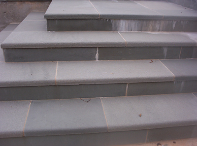 Pennsylvania SS bluestone steps  *Easily accesible.  This particular stone is not held in stock at TDH but can be ordered and added to a truck or picked up by TDH.
