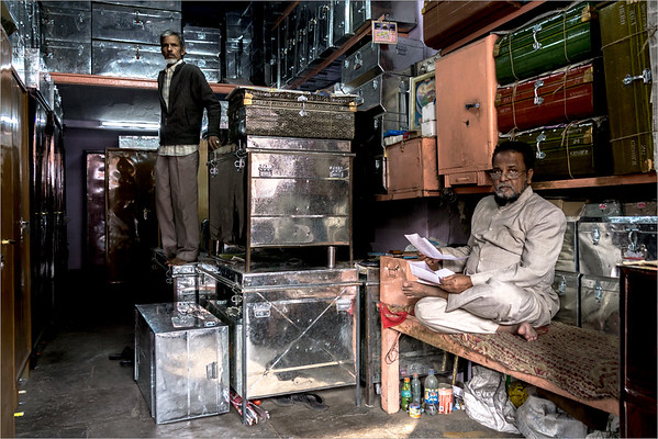 Jaipur - shop trunks and suitcases