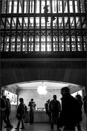 Apple Center in Central Station