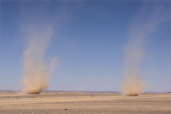 desert tornadoes - Merzouga