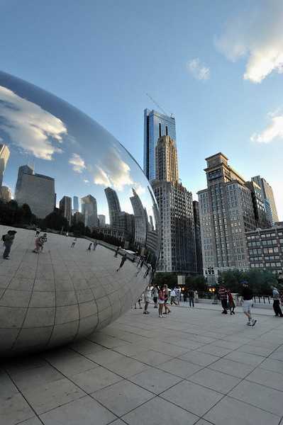 Clouds gate or the ban in the  Millennium Park in downtown Chicago