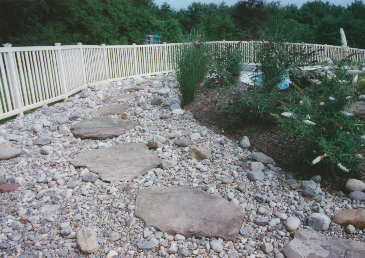 fieldstone stepping stone walkway