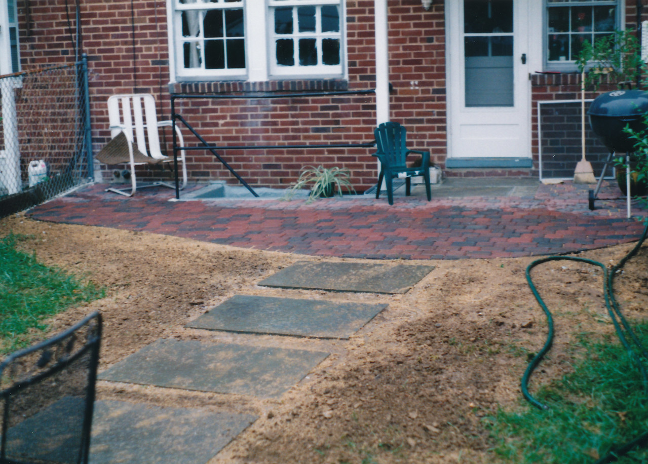 Appian paver patio with large bluestone slab walkway