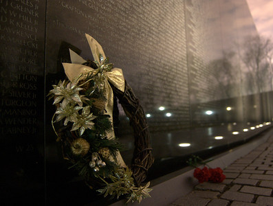 Happy holidays at the Vietnam Memorial
