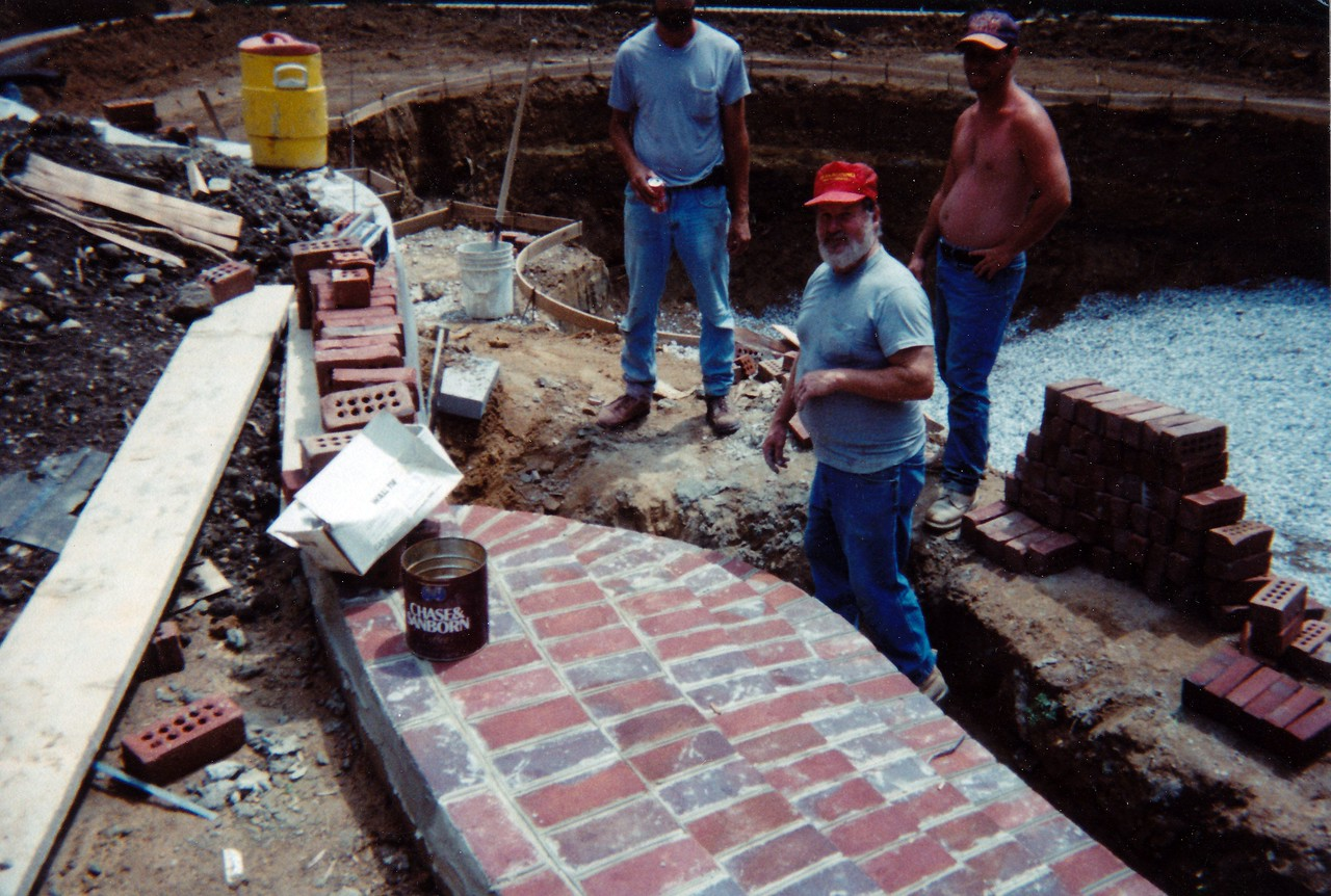 Wilke, construction of pool