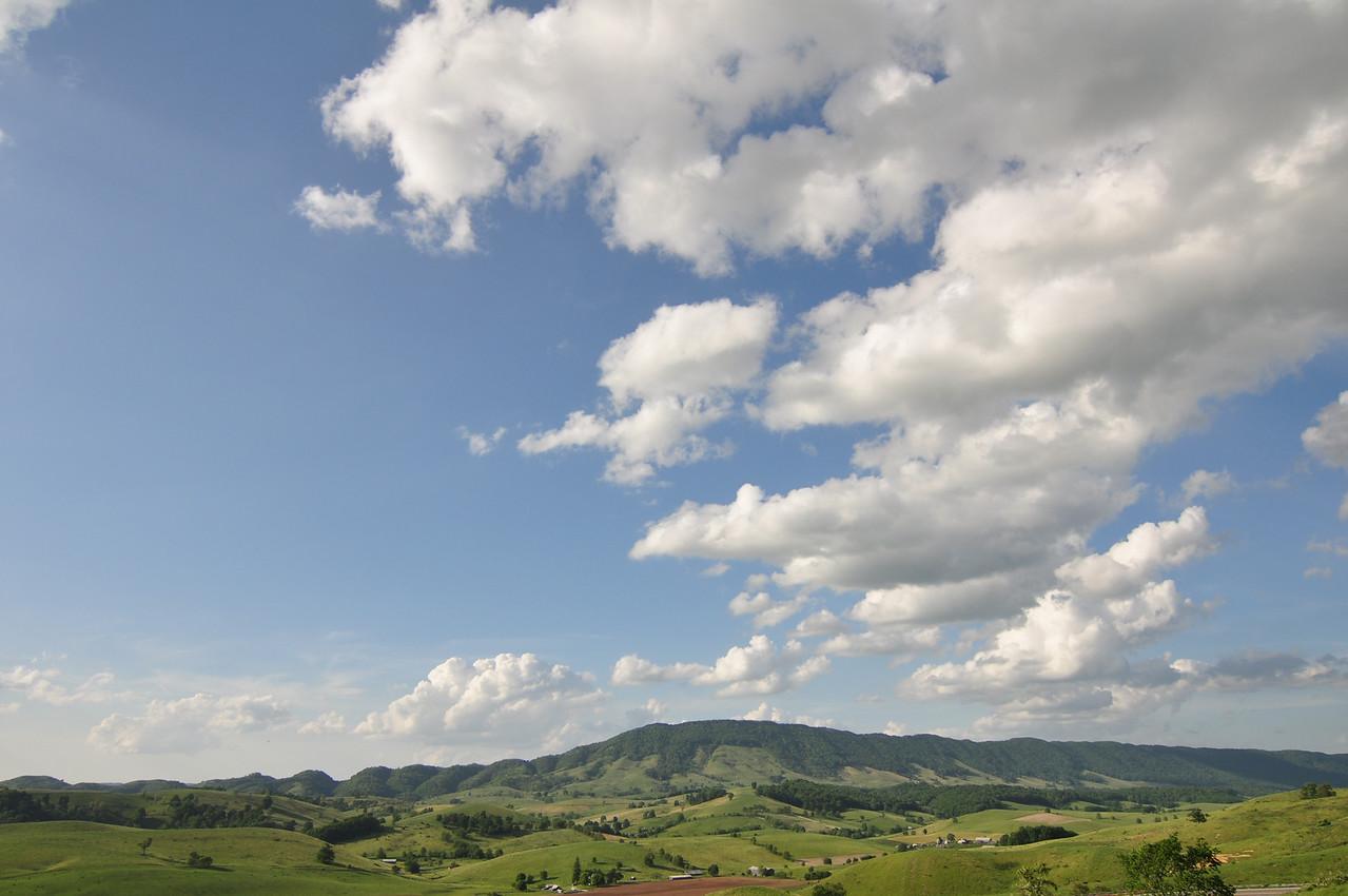 Wynne Peak       Wynne Peak is located in Tazewell County Virginia.  It rises 3894 feet above sea level.