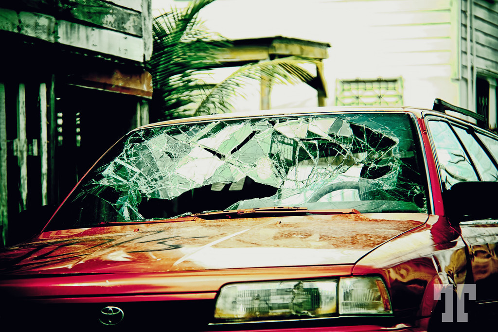 belize-city-broken-car-XL.jpg