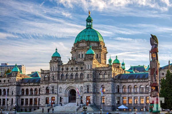 Victoria-BC-Parliament-gigapixel-compressed-width-9000px