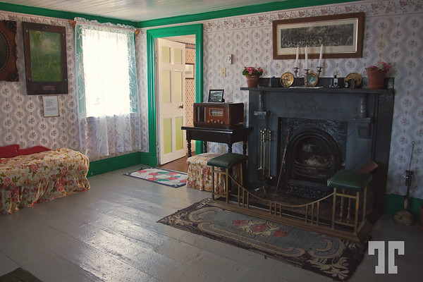 bleak-house-museum-living