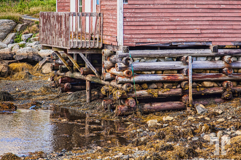 peggy's-cove-red-house-low-tide-2