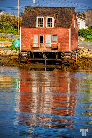 peggy's-cove-house-reflections-low-tide-au