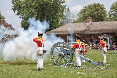 Artillery demonstration  - Fort Malden, Amhrestburg, ON  (ZZ,aa)