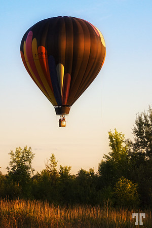 Hot balloon landing  Sept 05, 2012