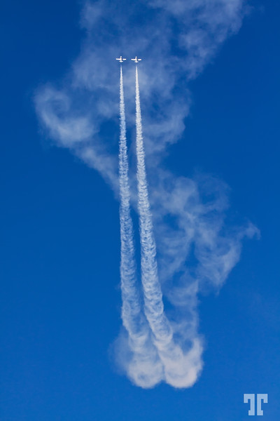Sept 17, 2012  The flying serpent - Ottawa Air Show 2012 (xx)