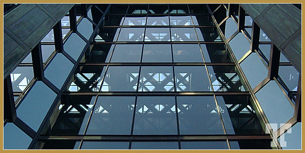 Glass and steel  (ZZ)