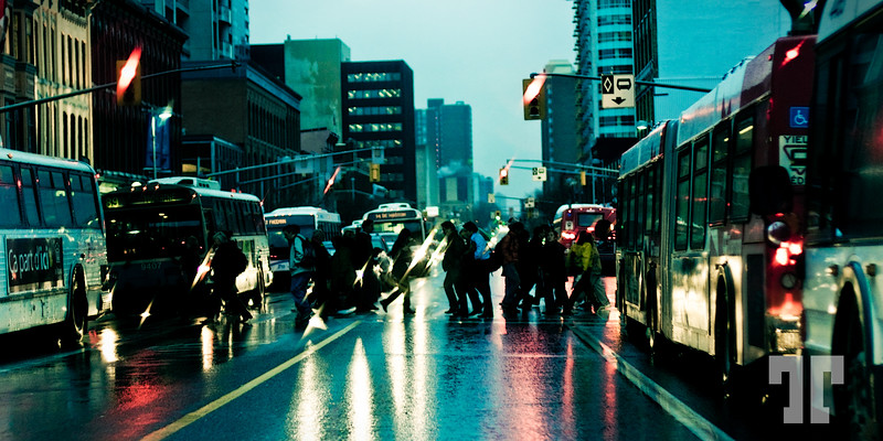 Rainy day in Ottawa Canada (Rideau street)