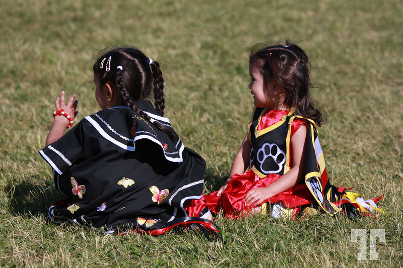 Pow Wow Festival Ottawa, Canada Aboriginal Canadian girls