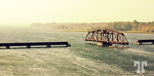 bridge-on-st laurent-river-digital-nosig