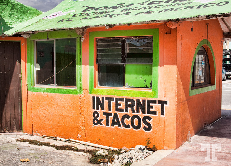 Internet & Tacos  Sign in Puerto Morelos - Cancun (ss)