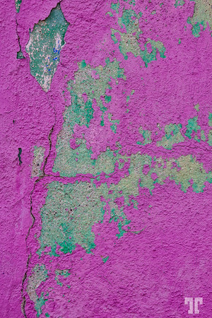 painted-wall-guanajuato-purple-green