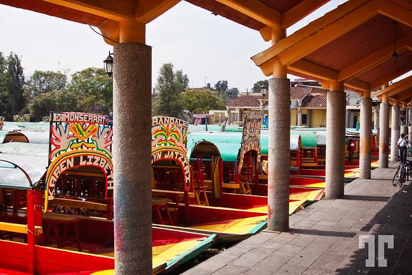Boats-Lake-Xochimilco-Mexico-City-3