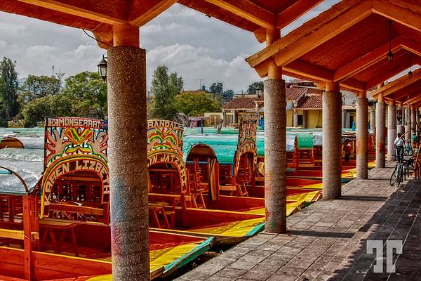 Mexico-City-lake-boats-deck