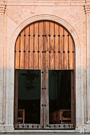 Church door, Merida
