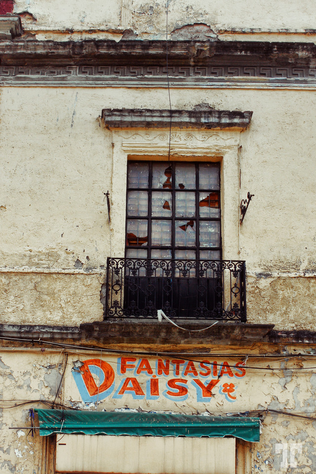 old-building-sign-mexico-city-X2.jpg