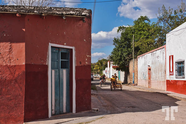 street-uxmal-village-mexico-2