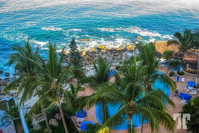 acapulco-waterfront-property-1