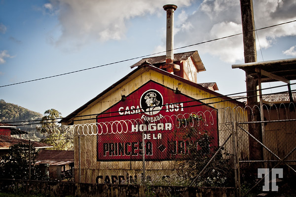Casa Hogar de la Princesa Danca - Old Coffee Factory in Arco Iris, Boquete, Panama