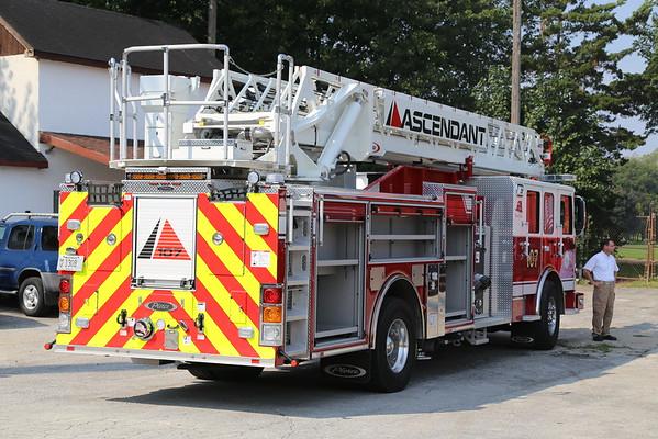 Pierce 107' Ascendant ladder truck