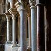 Entre les colonnes