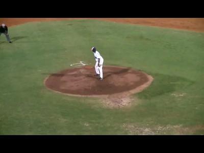 P14-2012-06-23-b-pitching-out-endinn