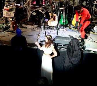 Goddess Sharon again (winner of the best female costume).
