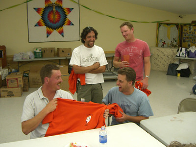 The four plumbers who came up a day early with Al Rogers - eagerly getting their Pine Ridge '07 t-shirts.