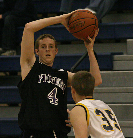 Pioneer at Saline basketball 2007
